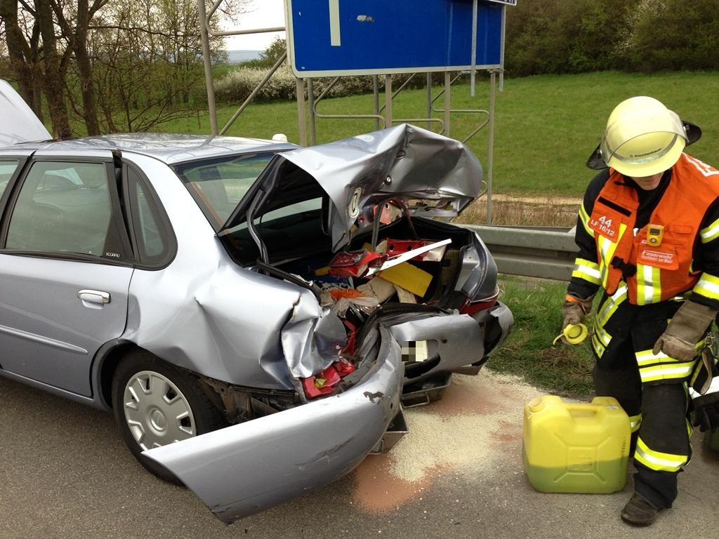 Verkehrsunfall auf der Autobahn BAB 671