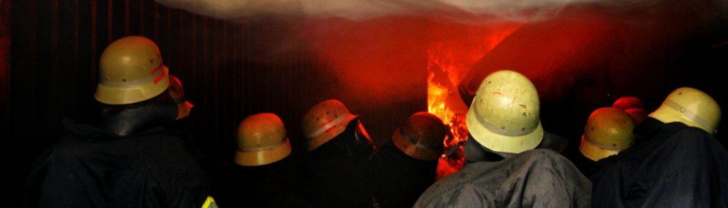 Atemschutzübung im Brandcontainer