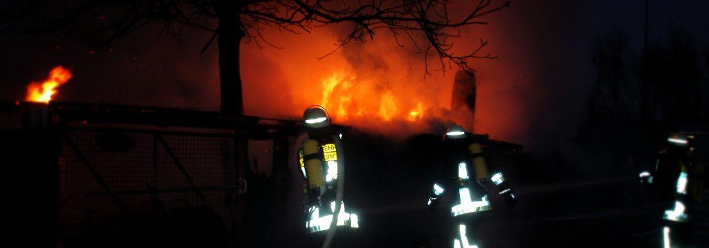 Feuer in Gartenhütte